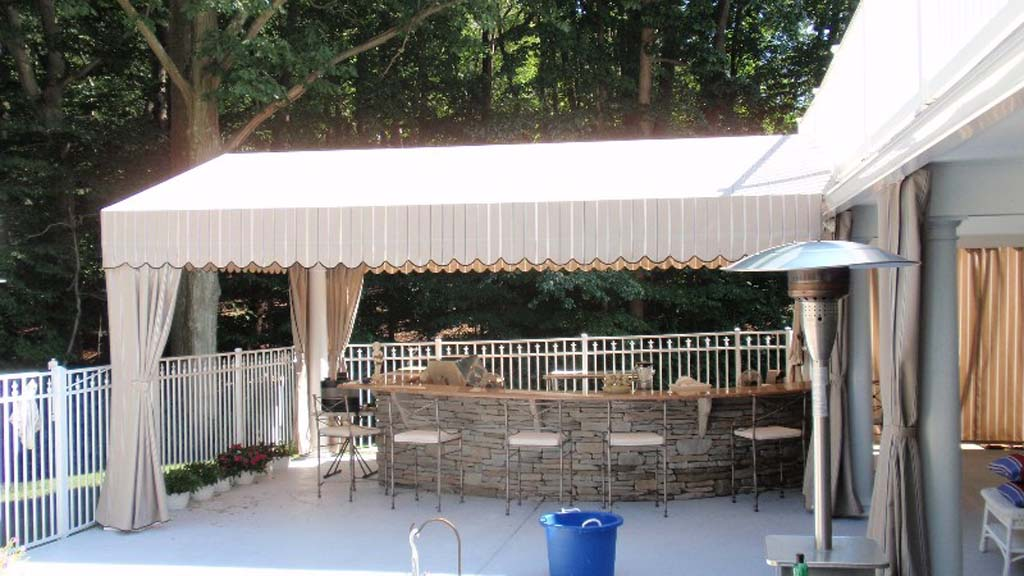 Custom fabricated awnings and canopies - Canvas canopy ...